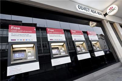 hsbc france a lancé une opa sur le crédit commercial de france en avril 2000