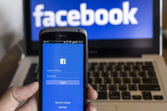 Comment les services clients sont formés aux réseaux sociaux