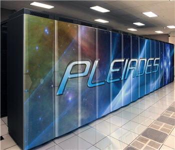 pleiades tourne grâce à une couche système suse linux entreprise 10 et un