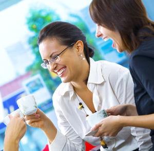 la pause café coûterait à une entreprise environ 490 euros par employé et par
