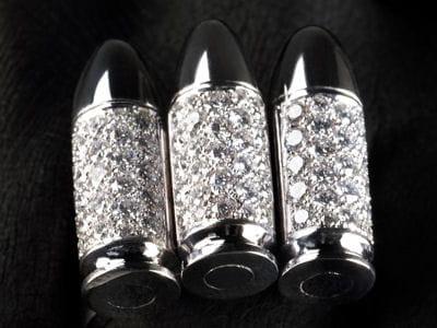 l'un des bijoux d'akillis, en forme de balles.