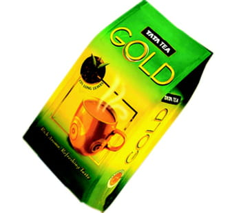 un paquet de thé de marque tata tea.