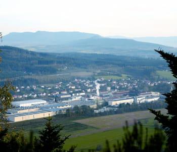 sa principale usine, celle d'etival, s'étend sur 40 hectares.