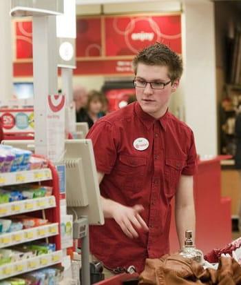 chez target, le rfid aide les salariés chargés de la préparation en rayon