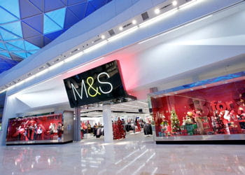 un magasin marks & spencer.