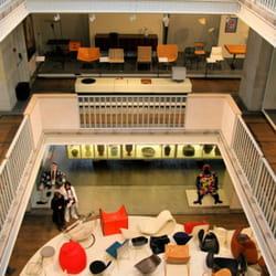 le musée des arts décoratifs de paris.
