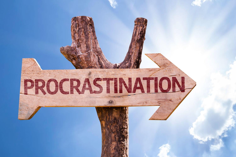 Procrastination: définition, causes et comment s'en débarrasser
